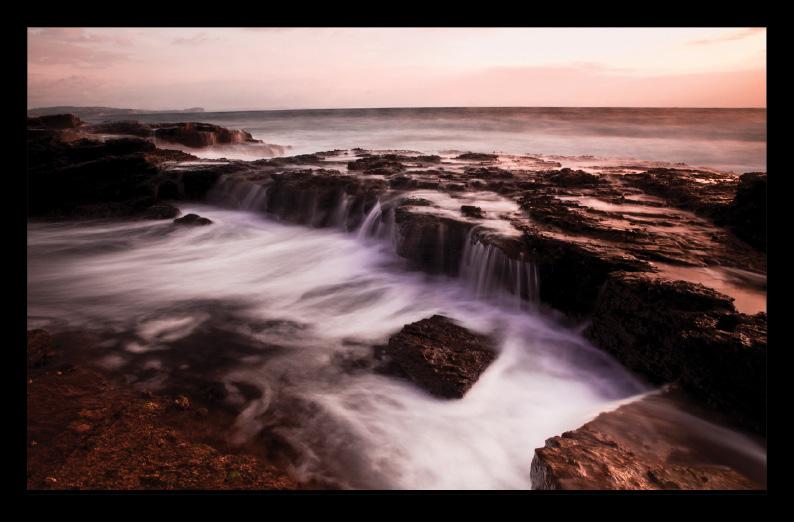 เทคนิคการถ่ายภาพ Low-shutter speed Cronulla Rock Pool